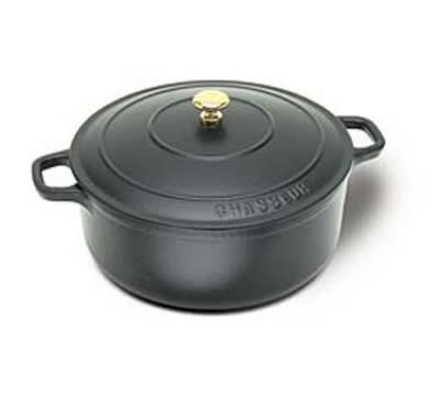 World Cuisine Chasseur Enamel Cast-Iron Round Dutch Oven 2Qt. Black Matte