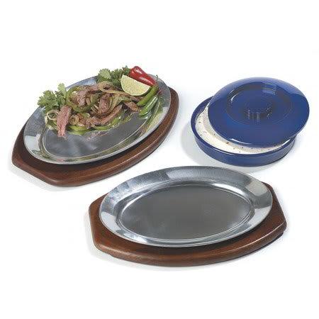 "Carlisle 60901 Oval Steak/Fajita Platter - 11-1/2x8"" Mirror-Finish Aluminum"