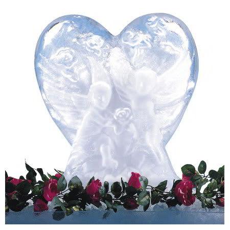 "Carlisle SHR102 Ice Sculpture Mold, 23.25"" x 14.13"" x 27.5"", Heart"