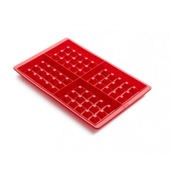 Lekue 0215000R01M017 Waffle Mold - (4) 4.5-oz Sections, Silicone, Red