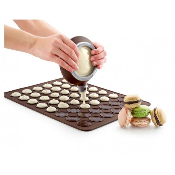Lekue 3000001SURM017 Macaroon Kit w/ (1) Deco Pen & (1) Macaroon Baking Matt, Silicone, Brown