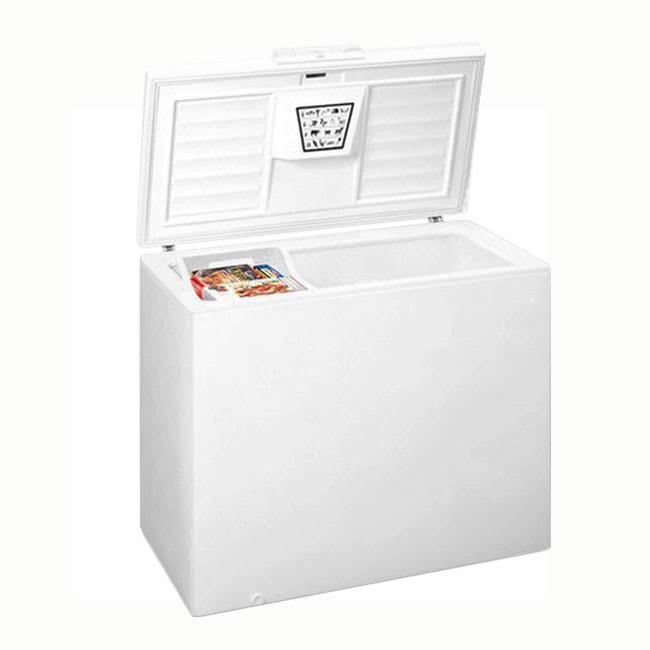 Summit SCFR50 Chest Medical Refrigerator - Locking, 115v