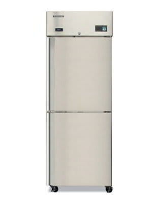"Hoshizaki CR1S-HS 28"" Single Section Reach-In Refrigerator, (2) Solid Door, 115v"