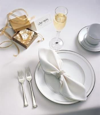 "Snap Drape TVIS6161OWH VISA Plus 61"" x 61"" Overlocked Tablecloth, White, Polyester"