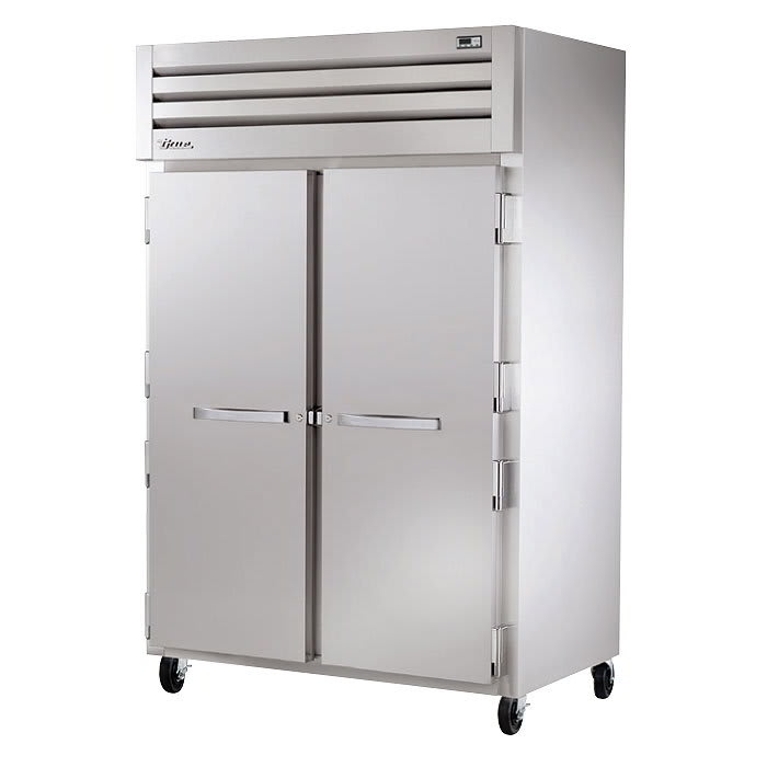"""True STR2R-2S-HC 52.6"""" Two Section Reach-In Refrigerator, (2) Solid Doors, 115v"""