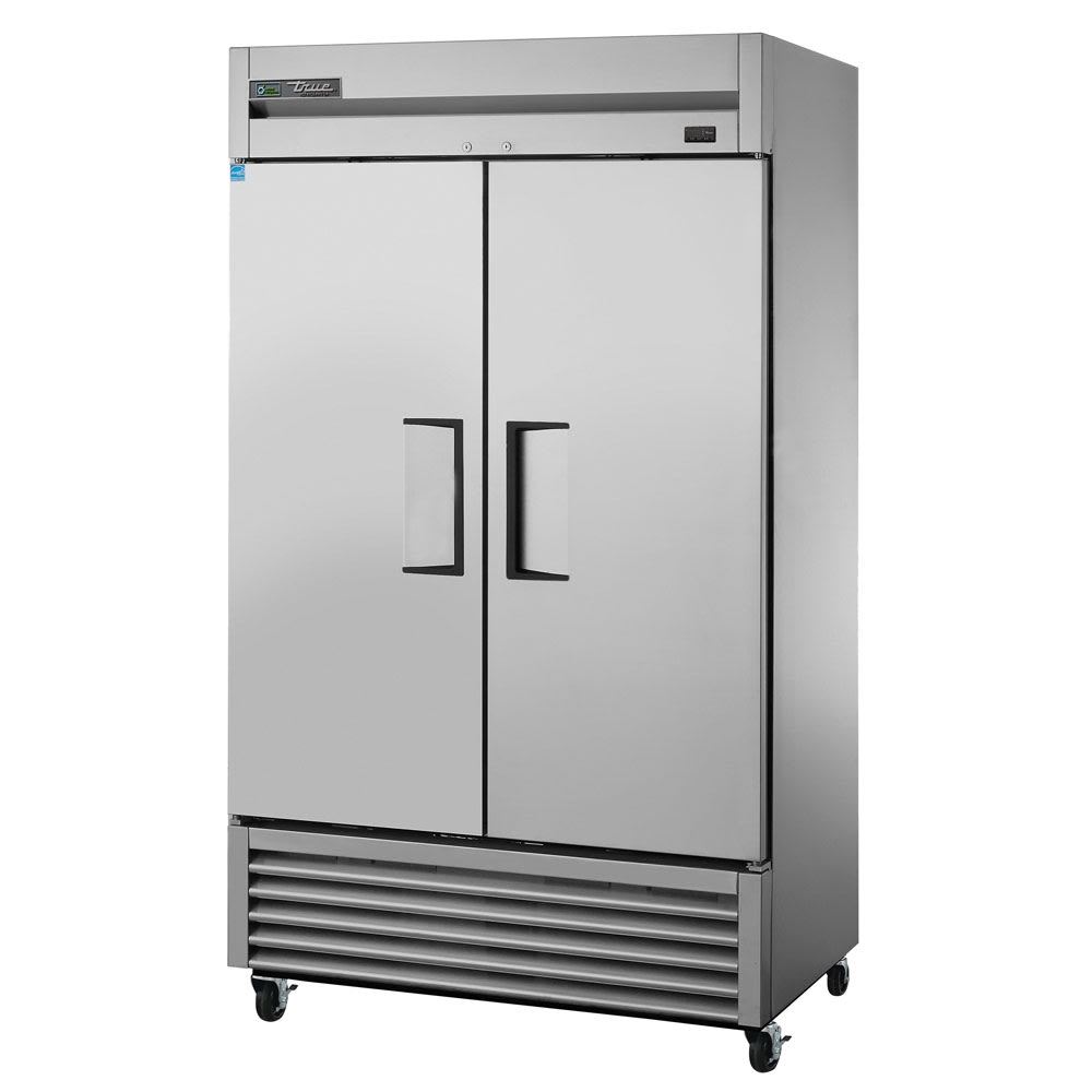"""True TS-43-HC 47"""" Two Section Reach-In Refrigerator, (2) Solid Door, 115v"""